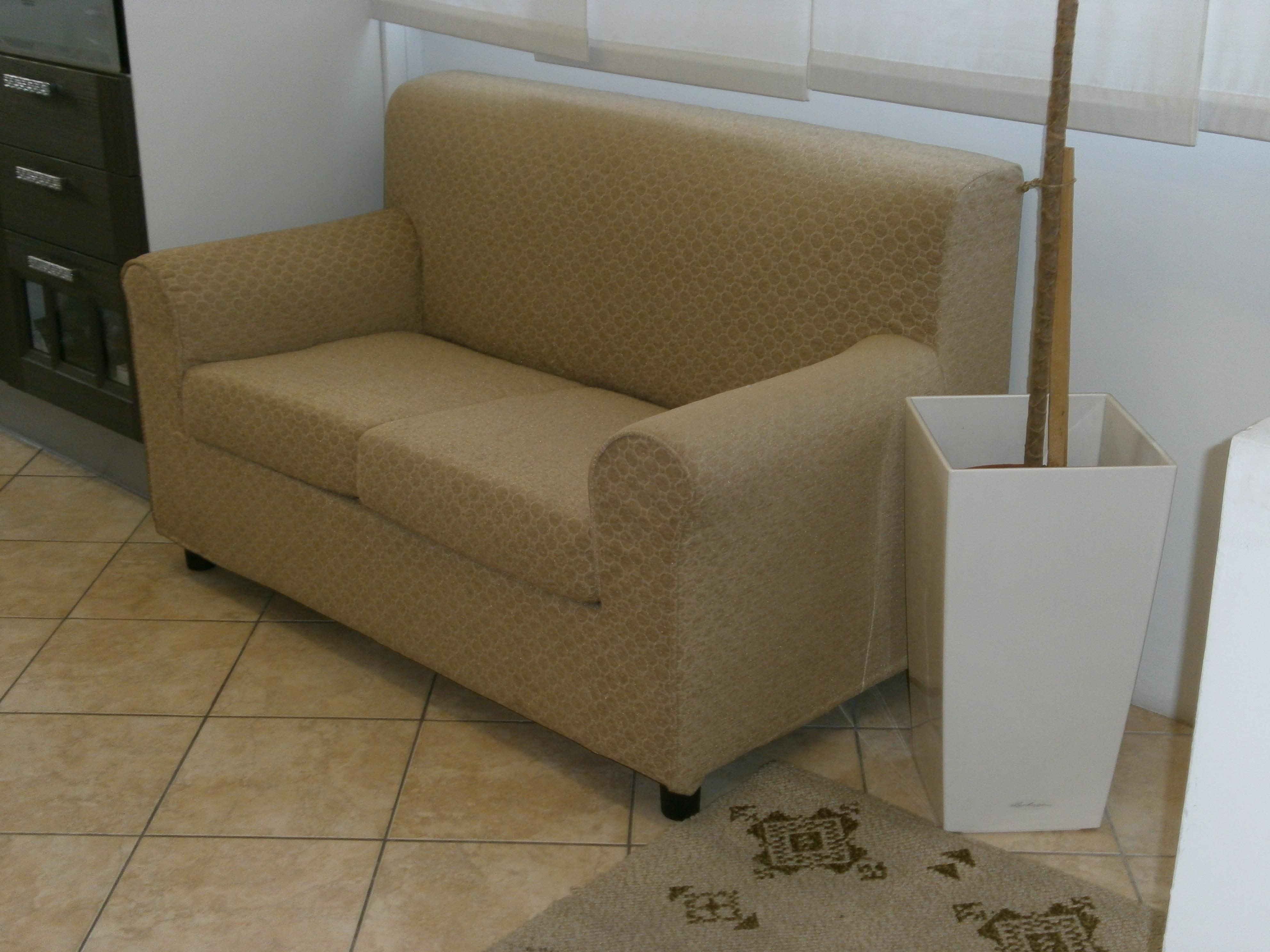 Mercatino arredamenti nuovi arredamenti nuovi divano - Divano profondita 70 ...
