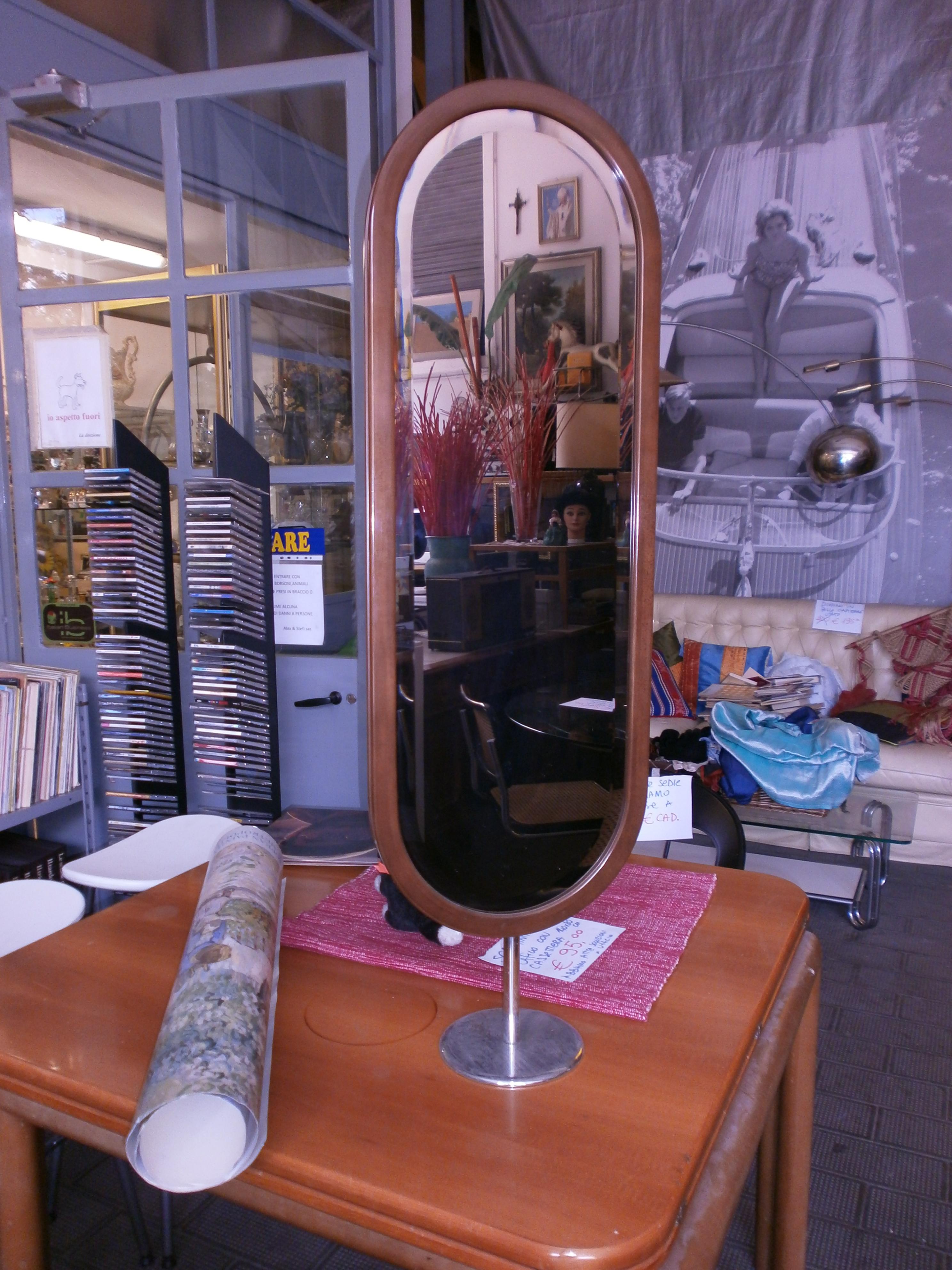 Specchio da terra cornice in legno e basamento cromato for Specchio quadrettato per fisioterapia usato